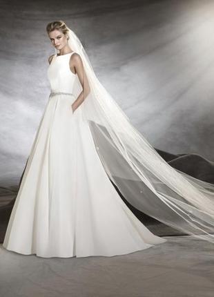 Свадебное платье pronovias oval