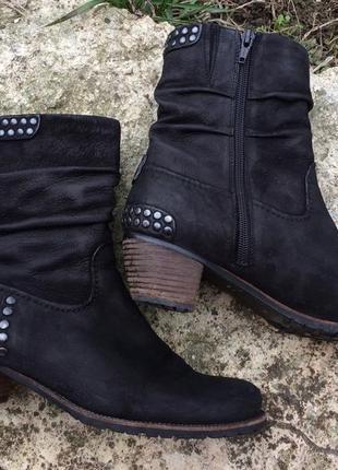 Ботинки, полусапожки на низком каблуке