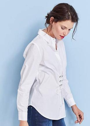 Стильна сорочка з декоративною корсетною шнуровкою
