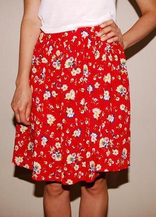 Яркая трендовая юбка в цветочек красная new look