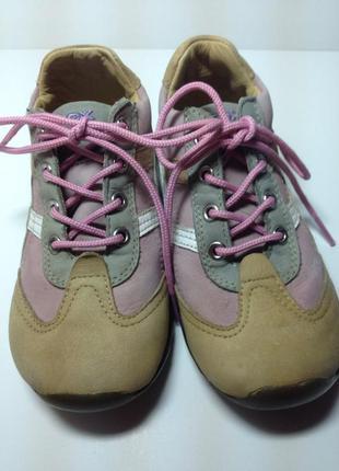 Кожаные ботинки geox для девочки 23 р стелька 15 см