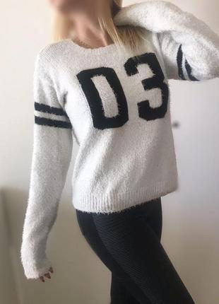 Теплый мягкий свитер