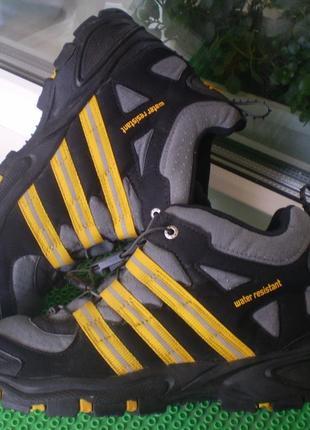 Ботинки, кроссовки деми adidas р. 38. стелька 24 см