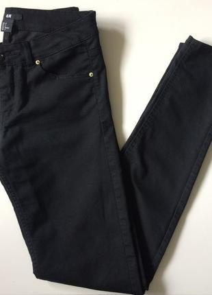 Чёрные джинсы брюки скинни