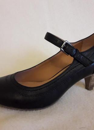 Кожаные туфли фирмы 5th avenue ( германия) p. 38 стелька 24,5 см