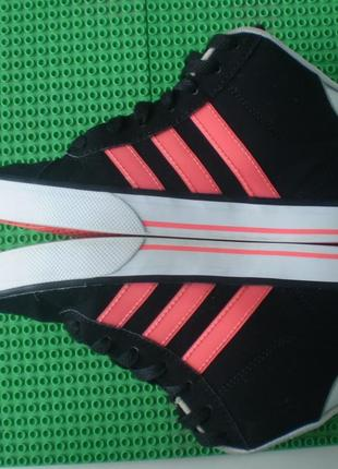 Скейтера высокие кроссовки р.34 ( 2.5 ) стелька 21 см состояние отличное