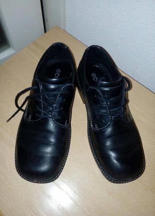 Школьные туфли на шнурках для мальчика б-у ecco 36 размер
