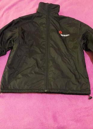 Утепленная спортивная куртка на подростка
