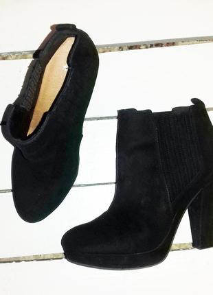 Ботинки ботильоны черные эко - замша на каблуку