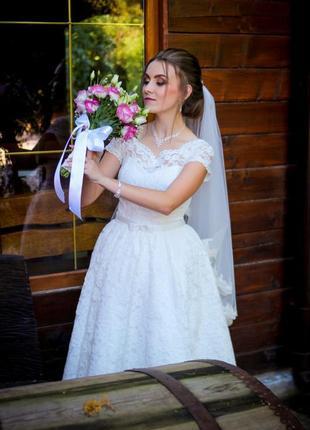 Свадебное ажурное платье.очень шикарное
