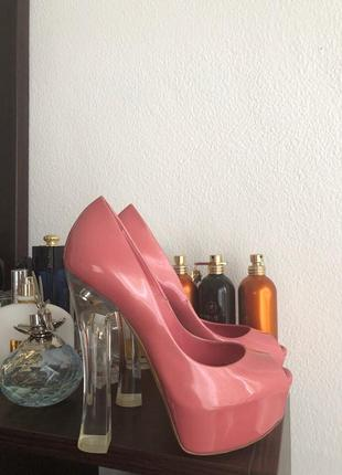 Лаковые туфли босоножки 36 casadei