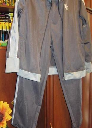 Спортивный костюм на 9-10 лет , эластик