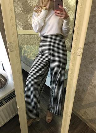 Широкие укорочённые брюки высокая талия