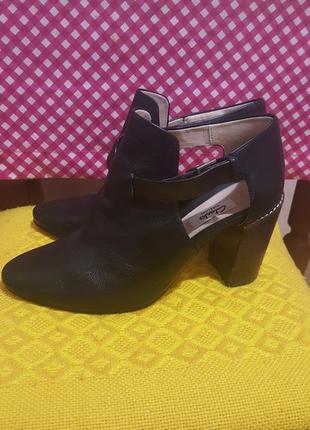 Полуботинки туфли  clarks