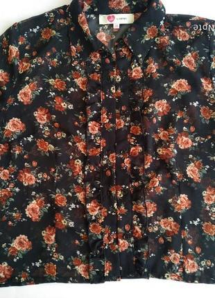 Романтическая блуза с рюшами и в цветочек