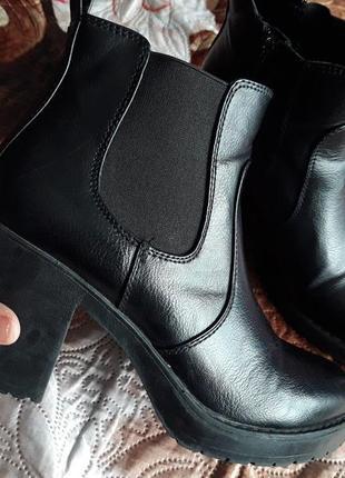 Удобные ботиночки на каблуке, размер 38