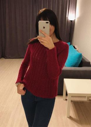 Красивый бордовый свитер gap
