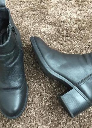 Крутые ботинки  на широком каблуке ds р.37-24 см