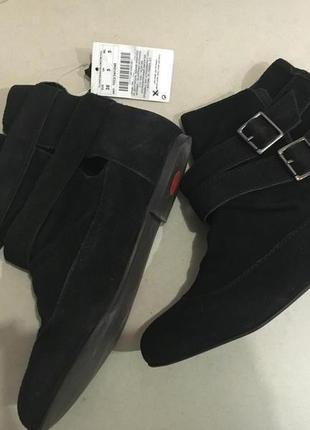 Стильные замшевые ботинки стелька 24.5 см