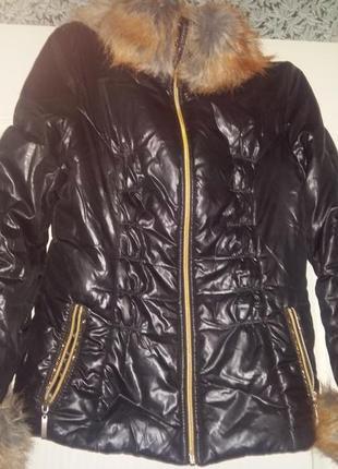 """Стильная теплая куртка осень-зима с"""" мехом"""" под лису"""