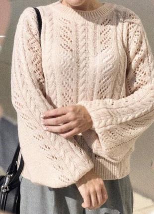 Легкий и нежный свитер с широкими рукавами new look