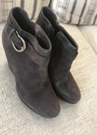 Ботинки замшевые на платформе