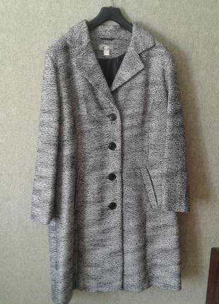 Шикарное новое классическое пальто.