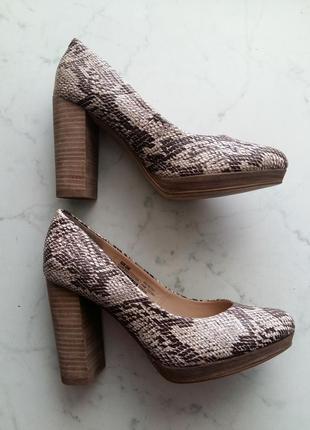 Изящные туфли f&f на широком устойчивом каблуке