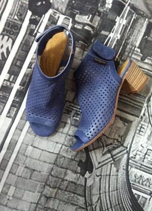 Суперові брендові шкіряні босоніжки rassell&bromley london, 38