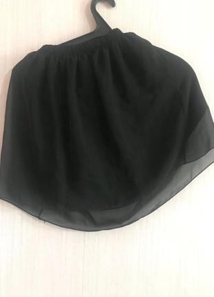 Черная юбка с шифоновым слоем