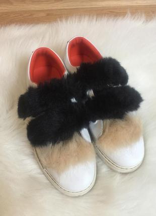 Zara кожаные кроссовки с мехом 38