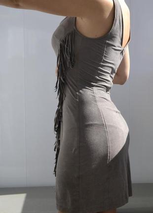 Велюровое короткое платье bershka