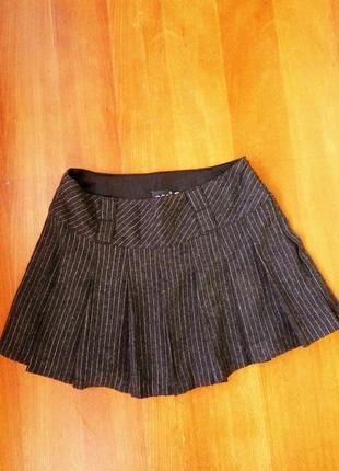 Короткая шерстяная юбка в складу / в полоску oggi