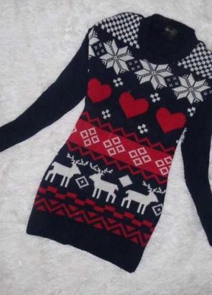 Новогодний свитер с оленями снежинками сердечки