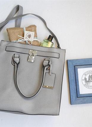 Шикарна вмістка сумка