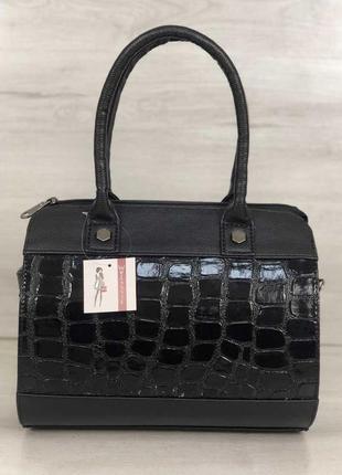 Черная каркасная сумка саквояж бочонок с лаковой вставкой
