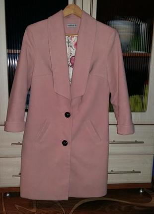 Супер пальтишко персикового цвета