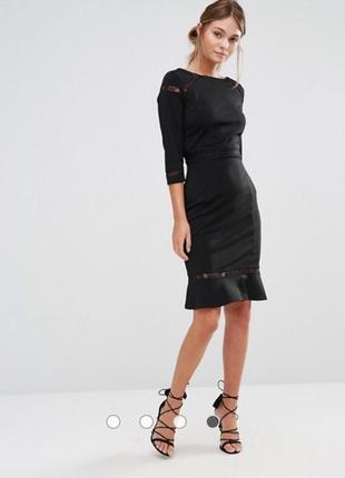 Платье футляр со вставками кружева