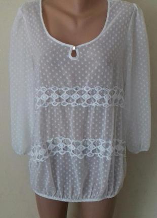 Красивая блуза с кружевом george