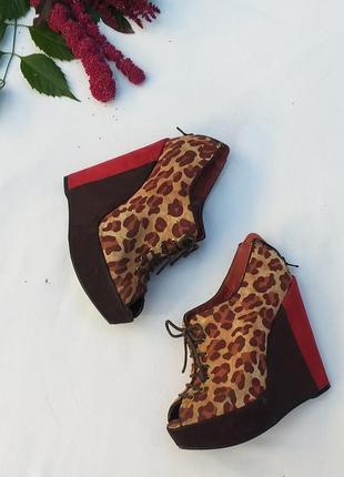 Ботинки , ботильоны , леопардовый принт эко замш от new look