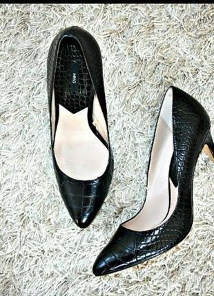 Туфлі лодочки  натуральна шкіра  mango
