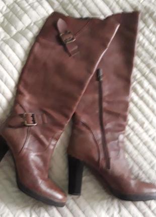 Фірмові шкіряні чоботи