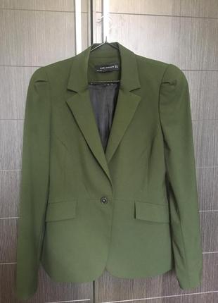 Очень красивый пиджак zara