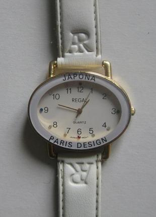 Наручные часы кварцевые женские