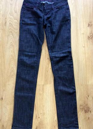 Темно синие джинсы colins