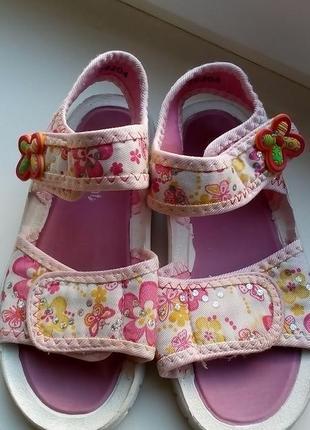 Босоножки для девочки walkright