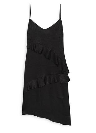 Шикарное сатиновое платье с рюшей