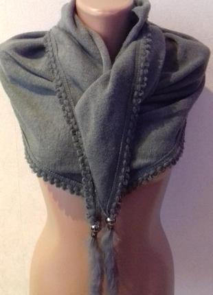 Шикарний тепленький  із натуральним  хутром шарф  италия