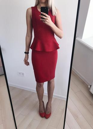 Красное платье с баской incity
