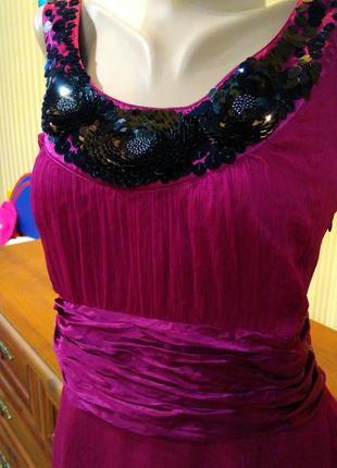 Красивое вечернее платье марсал с паетками